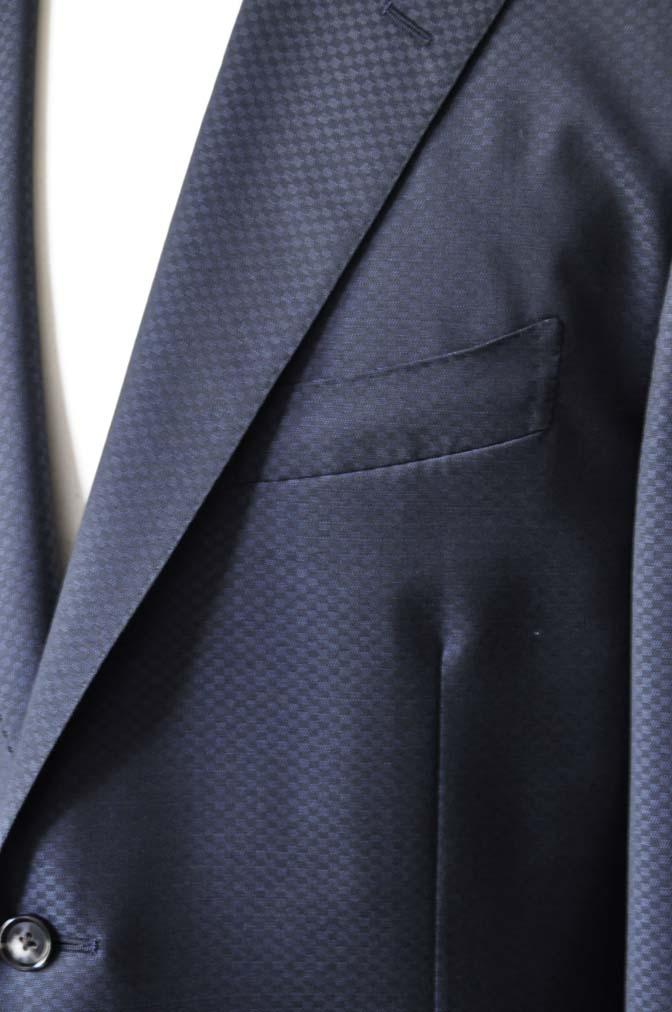 DSC1558-1 お客様のスーツの紹介-CANONICOネイビースーツ-