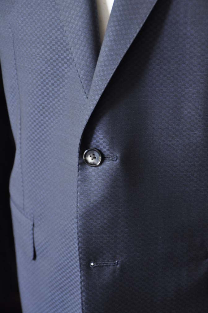 DSC1559-1 お客様のスーツの紹介-CANONICOネイビースーツ-