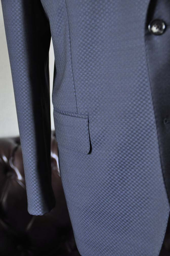 DSC1560-1 お客様のスーツの紹介-CANONICOネイビースーツ-