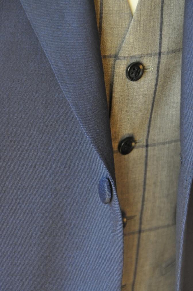 DSC15611 お客様のウエディング衣装の紹介-ネイビースーツ グレーチェックベスト-