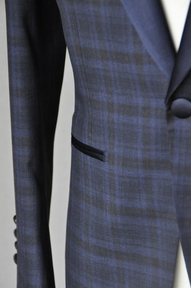 DSC15863 お客様のウエディング衣装の紹介-ネイビーチェックタキシード-