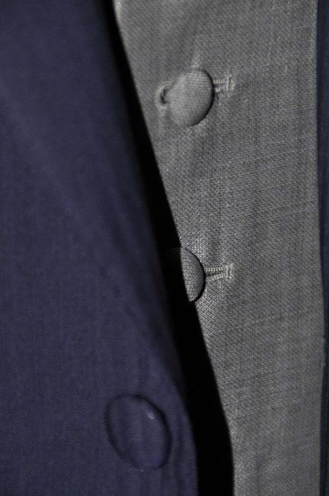 DSC1587 お客様のウエディング衣装の紹介- ネイビースーツとグレーベスト-