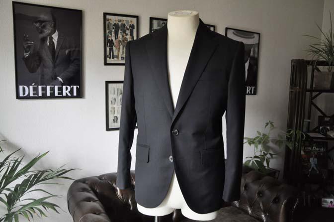 DSC15953 お客様のスーツの紹介- Biellesi ブラックスーツ-