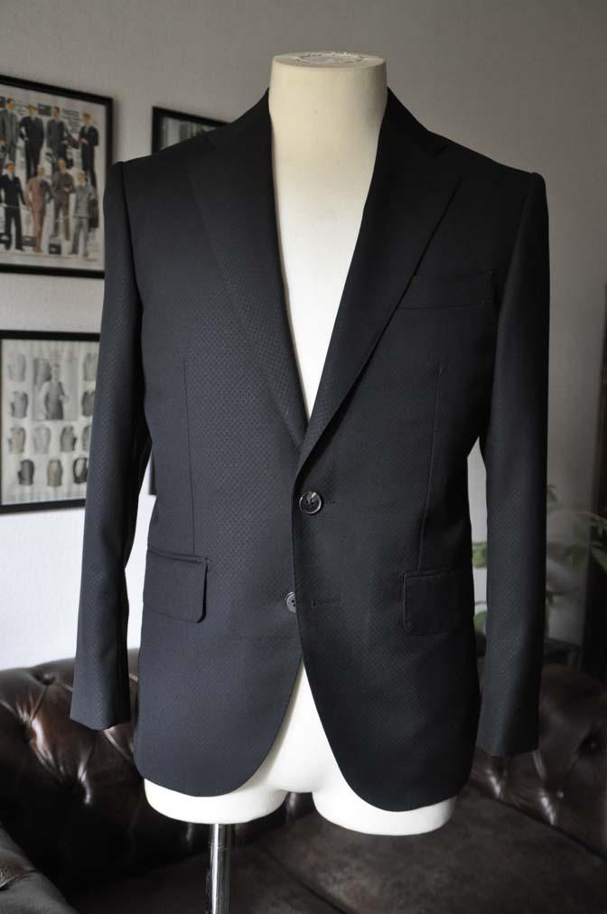 DSC15973 お客様のスーツの紹介- Biellesi ブラックスーツ-