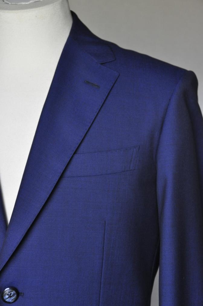 DSC1600 お客様のスーツの紹介- BIELLESI 無地ネイビー-