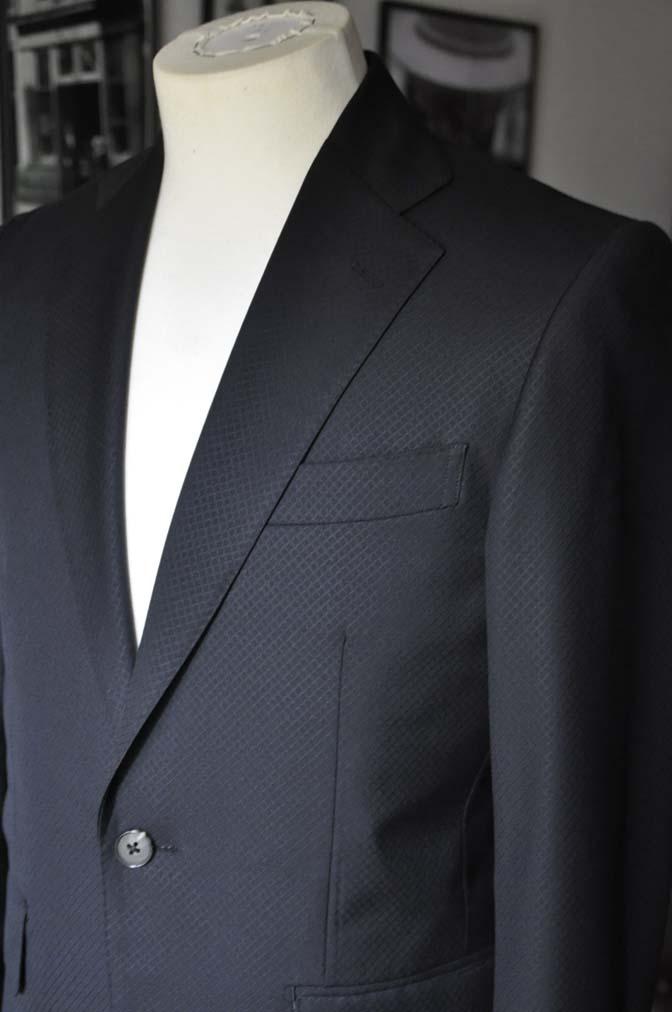 DSC16022 お客様のスーツの紹介- Biellesi ブラックスーツ-