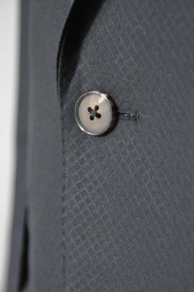 DSC16062 お客様のスーツの紹介- Biellesi ブラックスーツ-