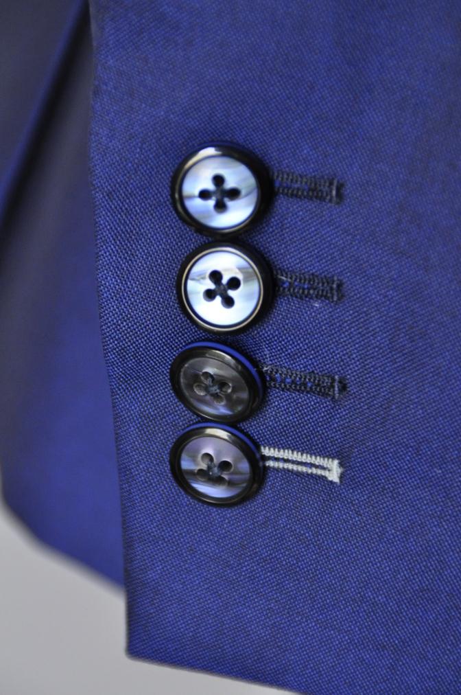 DSC1607 お客様のスーツの紹介- BIELLESI 無地ネイビー-