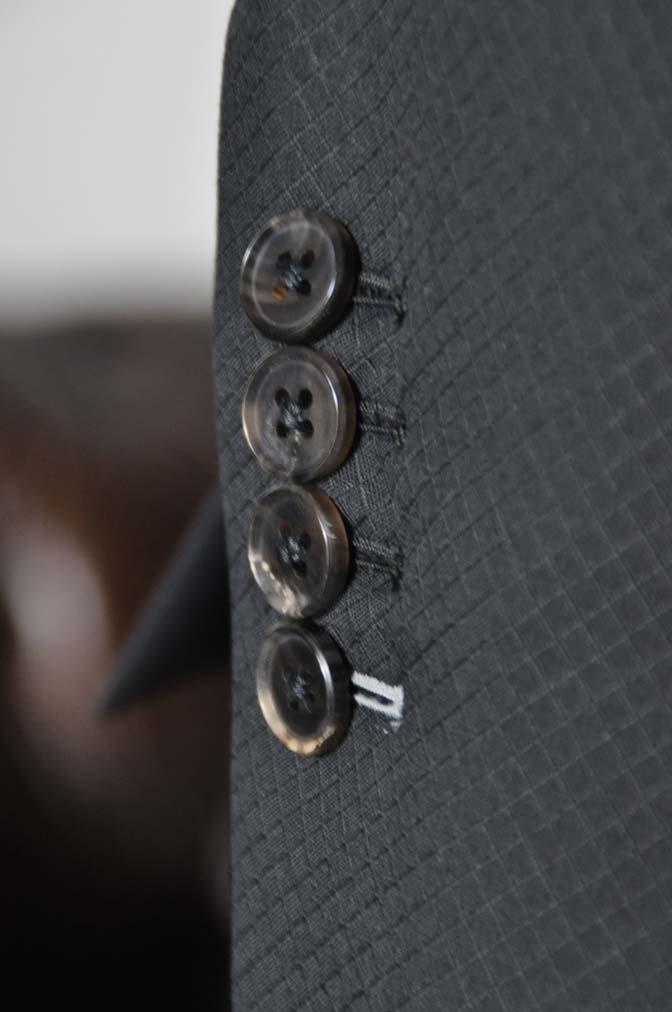 DSC16102 お客様のスーツの紹介- Biellesi ブラックスーツ-