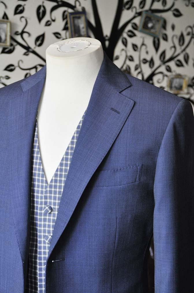 DSC1616-1 お客様のウエディング衣装の紹介- Biellesi無地ネイビースーツ チェックベスト-