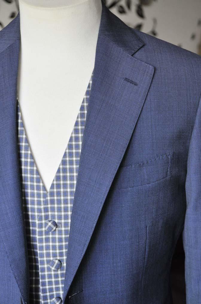 DSC1618-1 お客様のウエディング衣装の紹介- Biellesi無地ネイビースーツ チェックベスト-