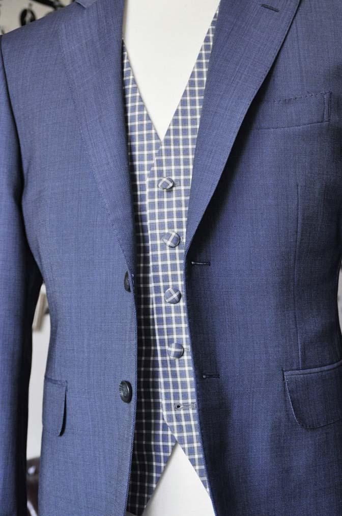 DSC1621-1 お客様のウエディング衣装の紹介- Biellesi無地ネイビースーツ チェックベスト-