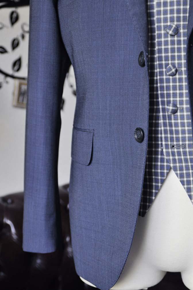 DSC1622-1 お客様のウエディング衣装の紹介- Biellesi無地ネイビースーツ チェックベスト-