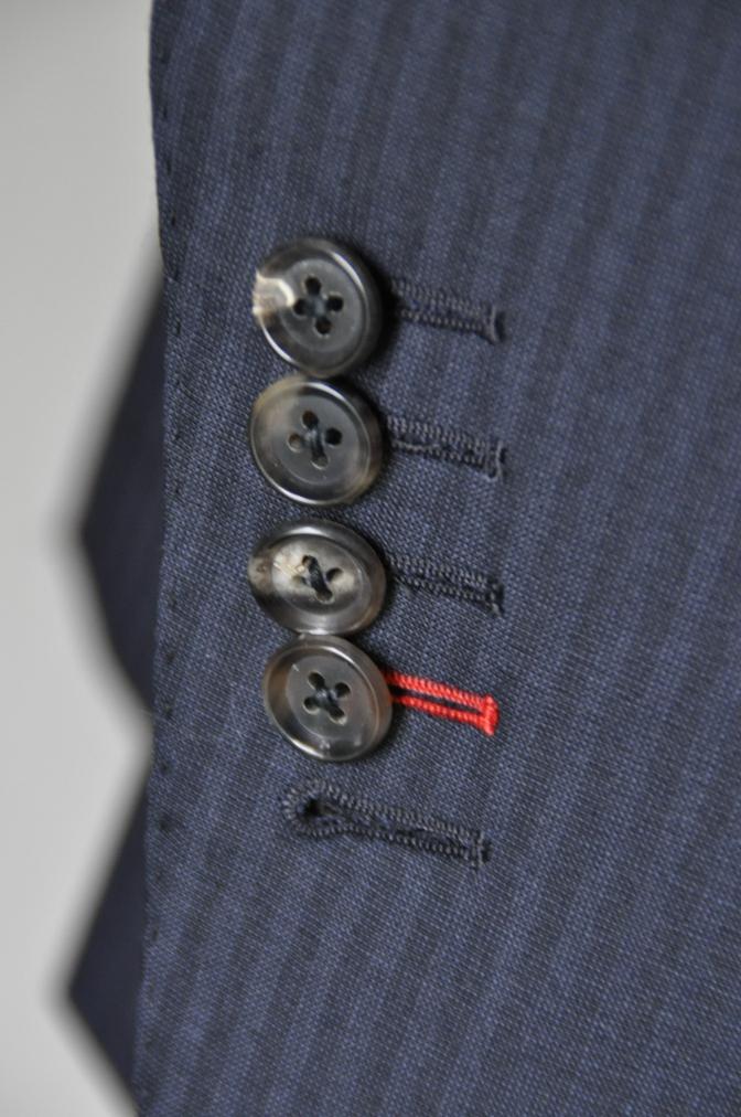 DSC1622 お客様のスーツの紹介-御幸毛織 ネイビーストライプ-