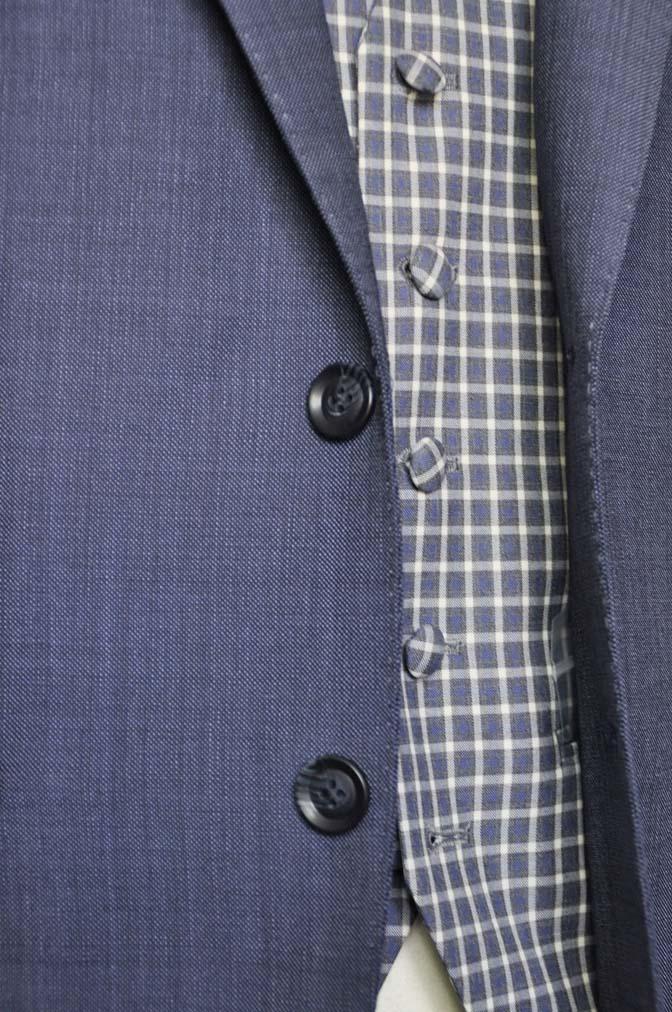 DSC1623-1 お客様のウエディング衣装の紹介- Biellesi無地ネイビースーツ チェックベスト-