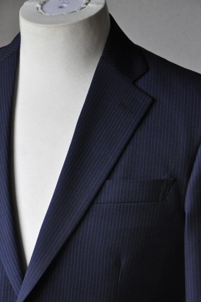 DSC16301 お客様のスーツの紹介-Biellesi ネイビーストライプ-