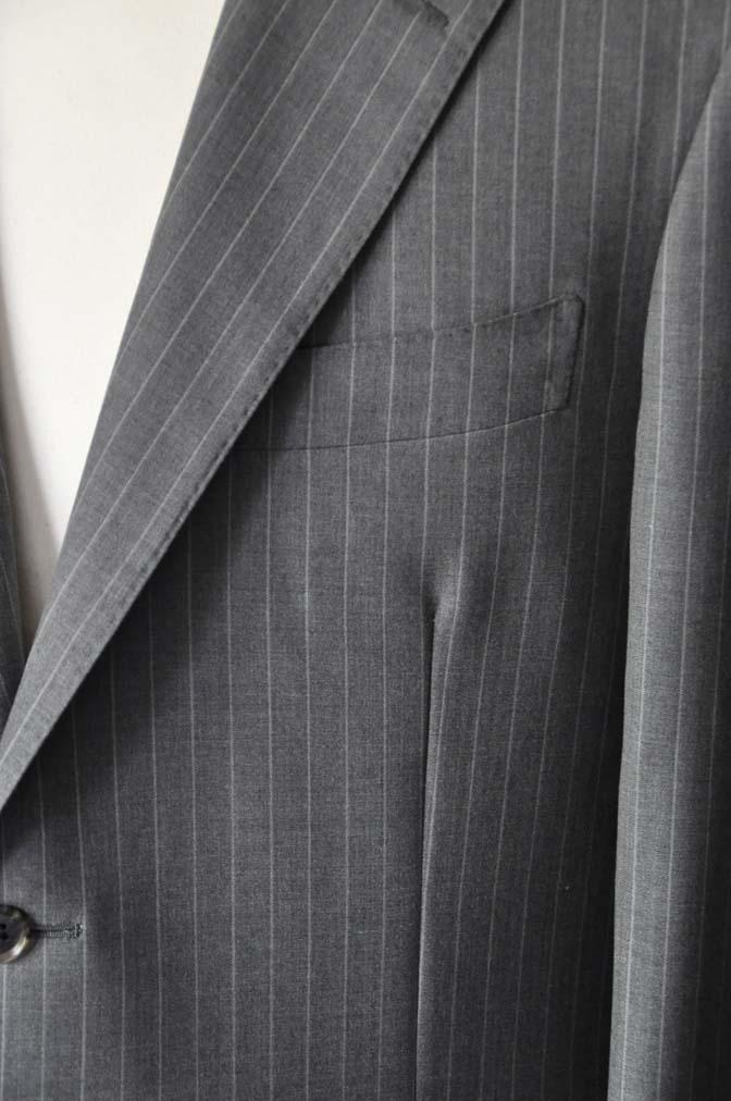 DSC1639-1 お客様のスーツの紹介-DORMEUIL Tropical Amadeusグレーストライプ スーツ-