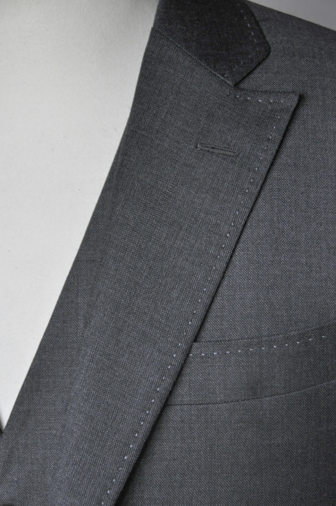 DSC1664 お客様のスーツの紹介-御幸毛織 グレースリーピース-