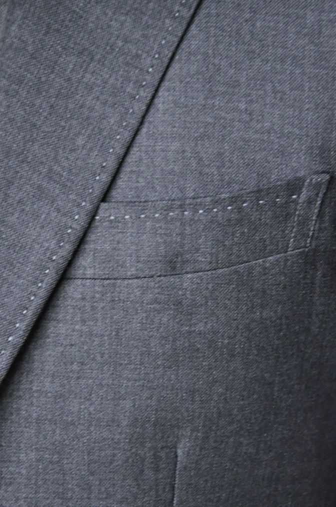 DSC1665 お客様のスーツの紹介-御幸毛織 グレースリーピース-