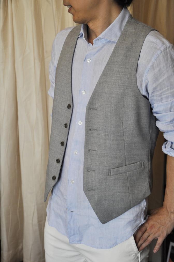 DSC1672 お客様のハワイウエディング衣装の紹介- ネイビースーツ グレーベスト- 名古屋の完全予約制オーダースーツ専門店DEFFERT