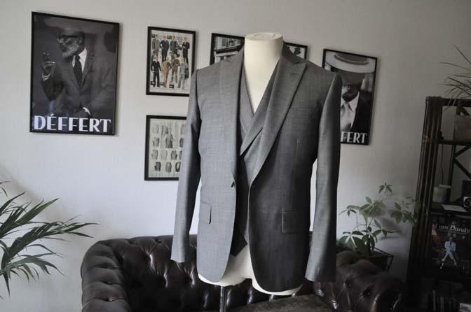 DSC1676 お客様のウエディング衣装の紹介-Biellesi グレージャケットダブルベスト- 名古屋の完全予約制オーダースーツ専門店DEFFERT