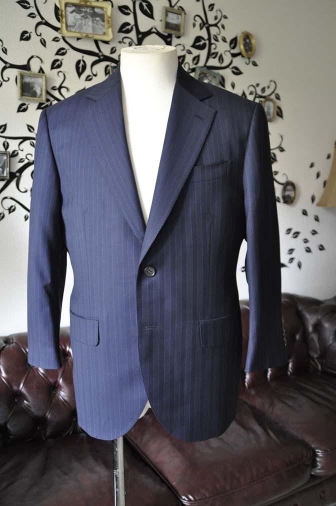 DSC1678-1 お客様のスーツの紹介-CARLO BARBERAネイビーストライプスーツ- 名古屋の完全予約制オーダースーツ専門店DEFFERT