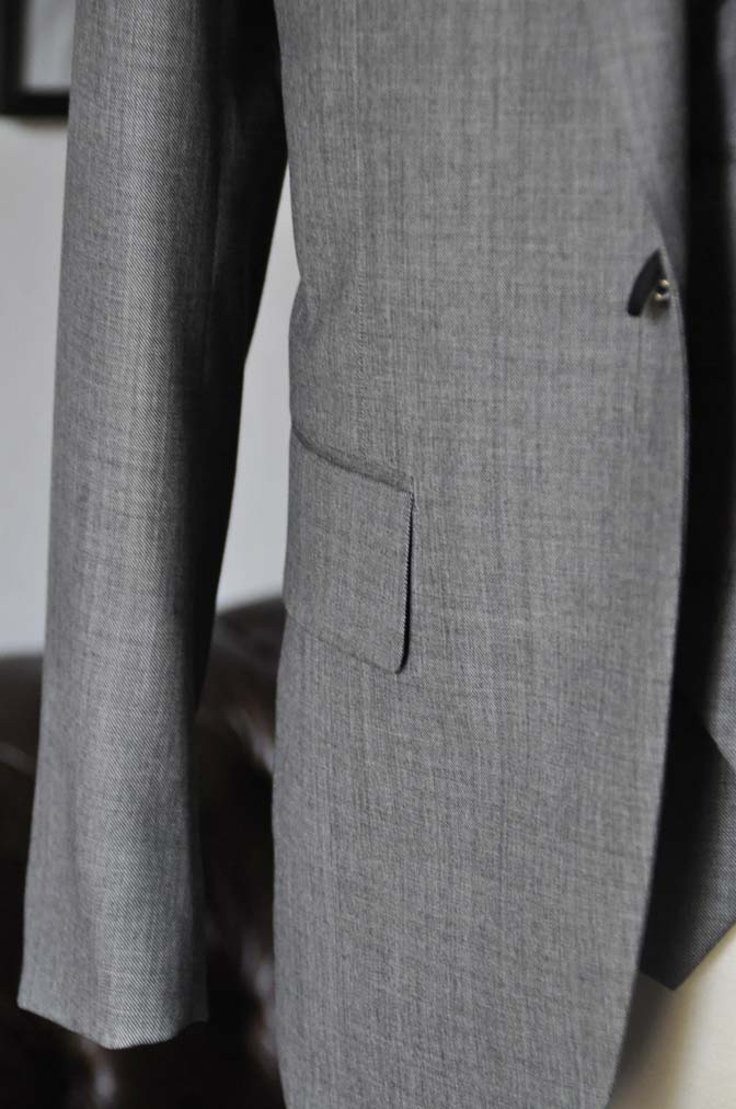 DSC1691 お客様のウエディング衣装の紹介-Biellesi グレージャケットダブルベスト- 名古屋の完全予約制オーダースーツ専門店DEFFERT