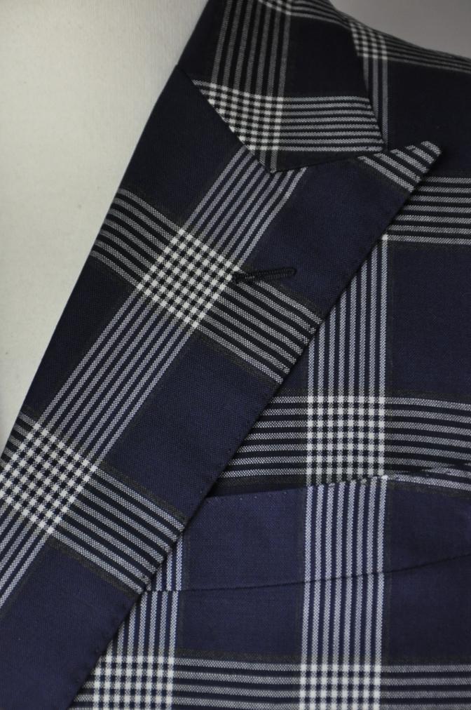 DSC1698 お客様のスーツの紹介- Tollegno ネイビーチェック ダブルスーツ-
