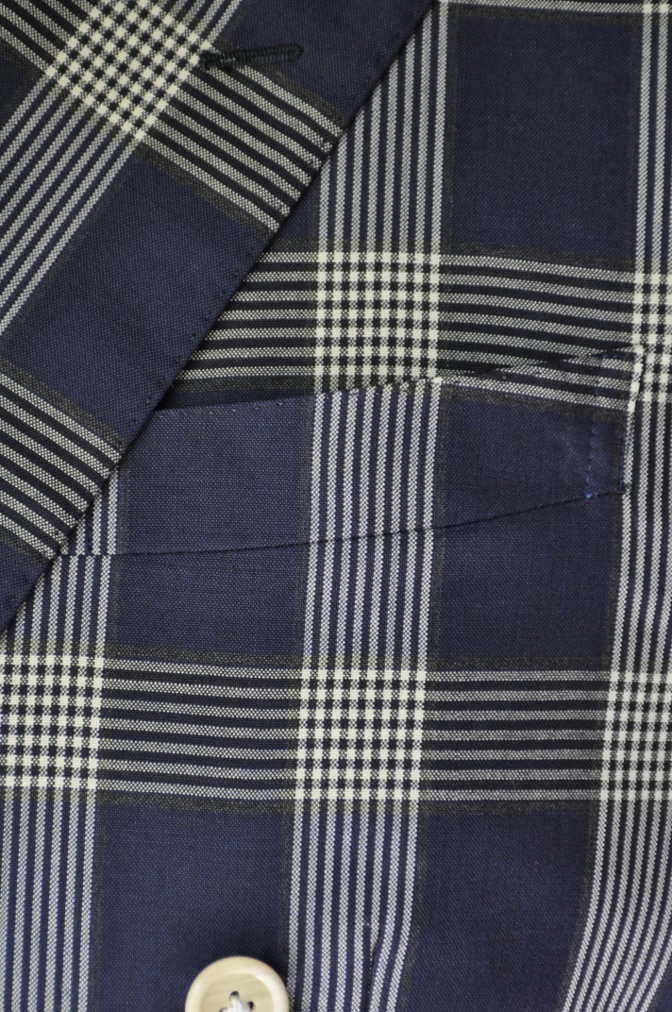 DSC1699 お客様のスーツの紹介- Tollegno ネイビーチェック ダブルスーツ-
