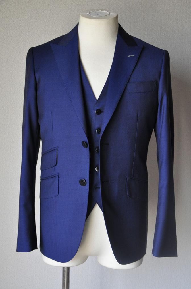 DSC17092 お客様のウエディング衣装の紹介-ネイビースリーピース-