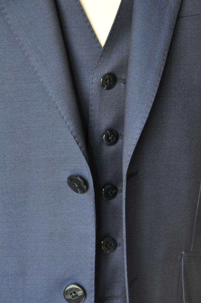 DSC17132 お客様のウエディング衣装の紹介-ネイビースリーピース-