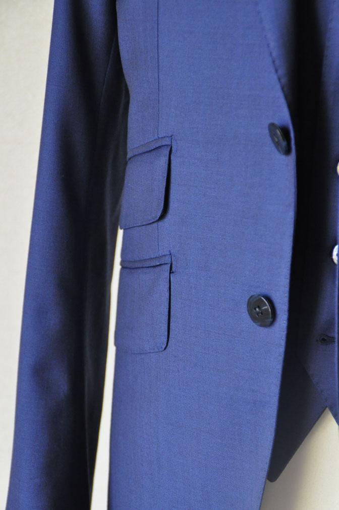 DSC17171 お客様のウエディング衣装の紹介-ネイビースリーピース-