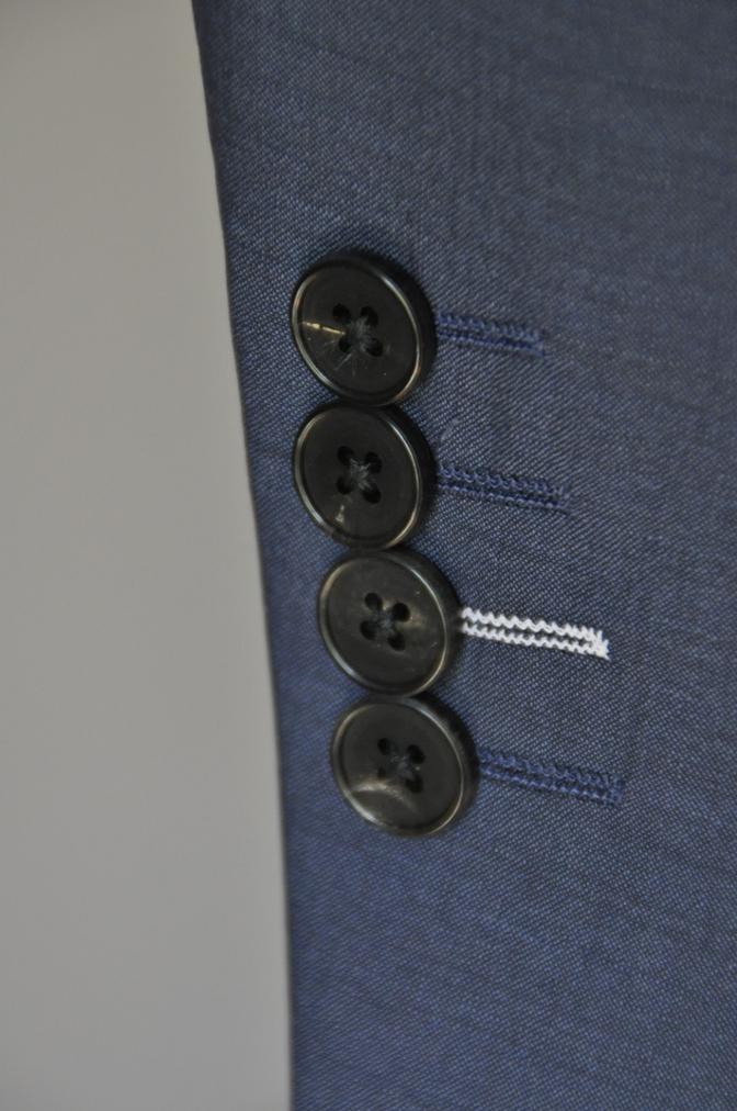 DSC1719 お客様のスーツの紹介- 無地ネイビー シングル2つボタン-
