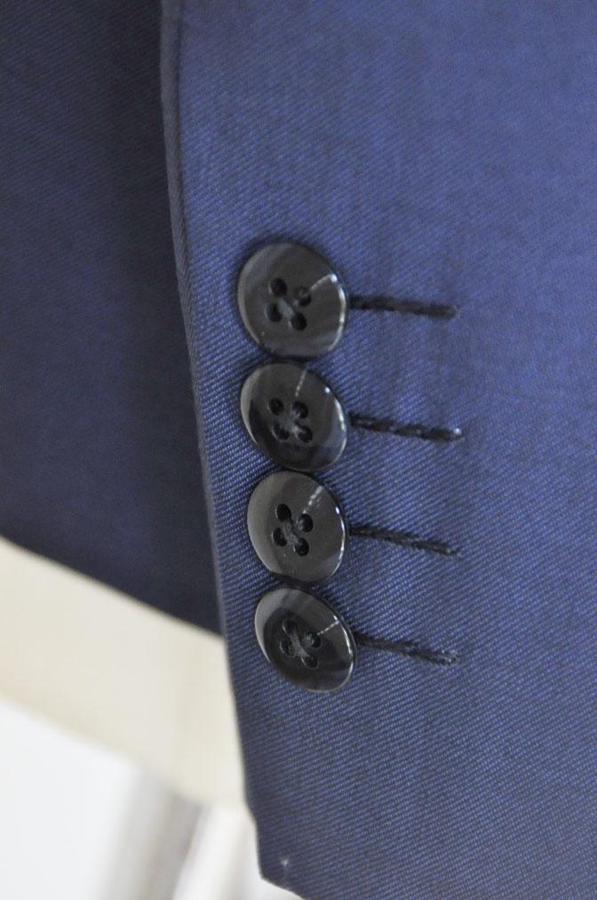 DSC17191 お客様のウエディング衣装の紹介-ネイビースリーピース-