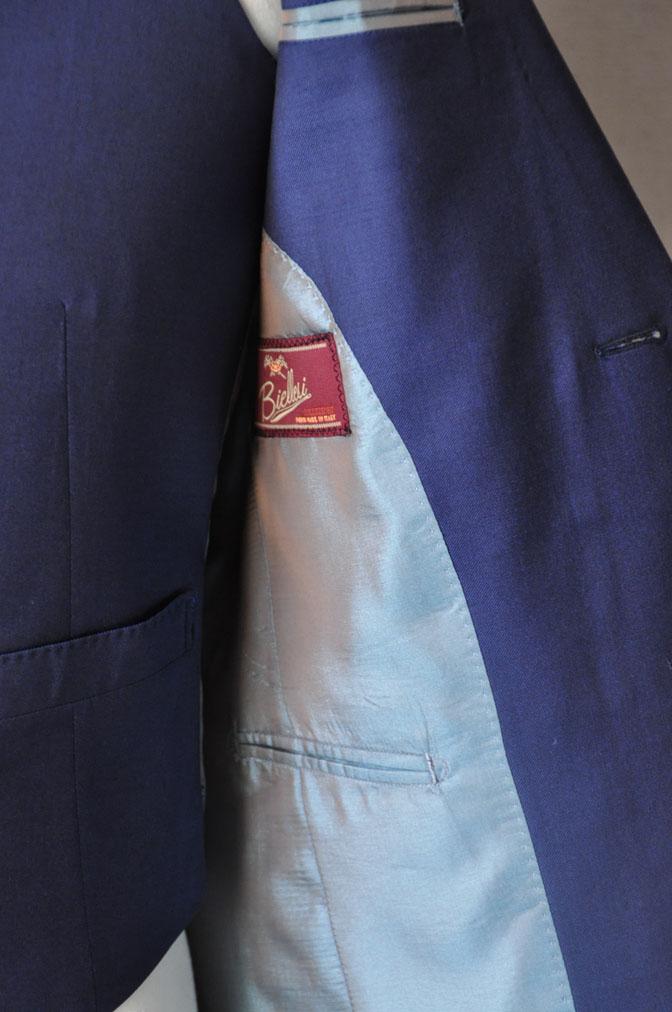 DSC17211 お客様のウエディング衣装の紹介-ネイビースリーピース-
