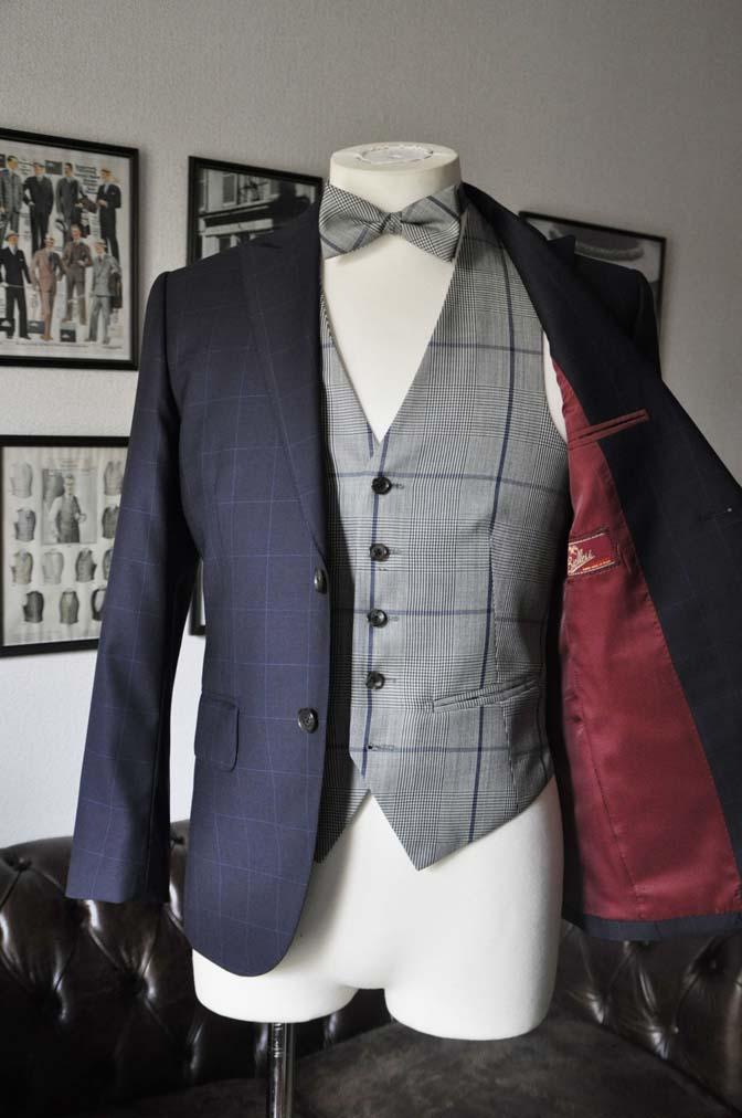 DSC1736 お客様のウエディング衣装の紹介- ネイビーウィンドペンスーツ、グレーベスト-