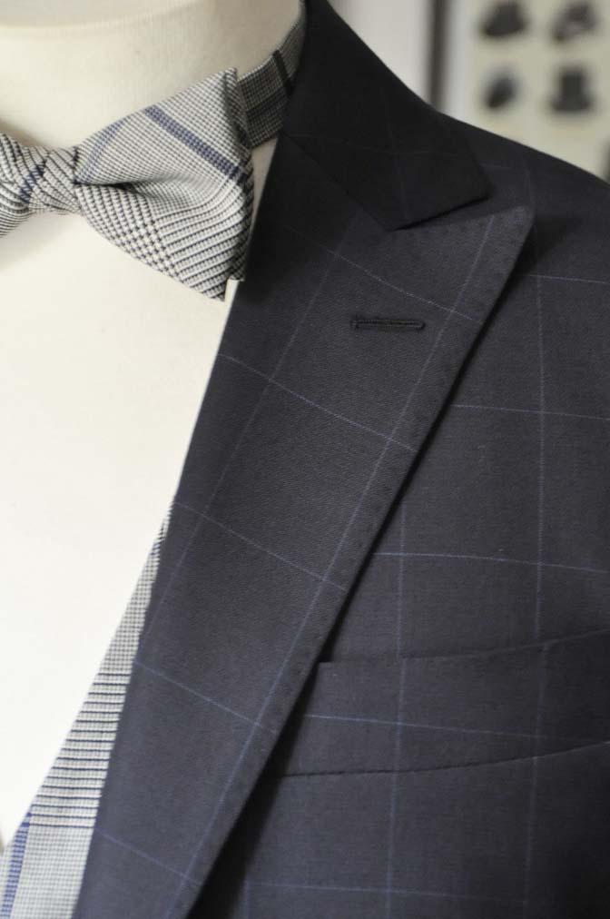 DSC1740 お客様のウエディング衣装の紹介- ネイビーウィンドペンスーツ、グレーベスト-