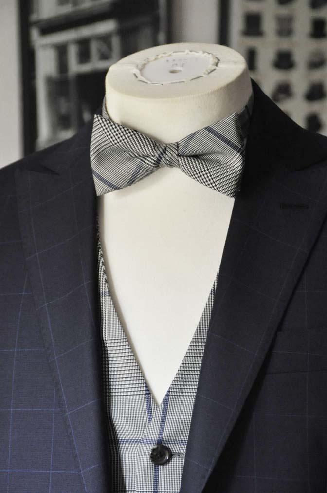 DSC1743 お客様のウエディング衣装の紹介- ネイビーウィンドペンスーツ、グレーベスト-