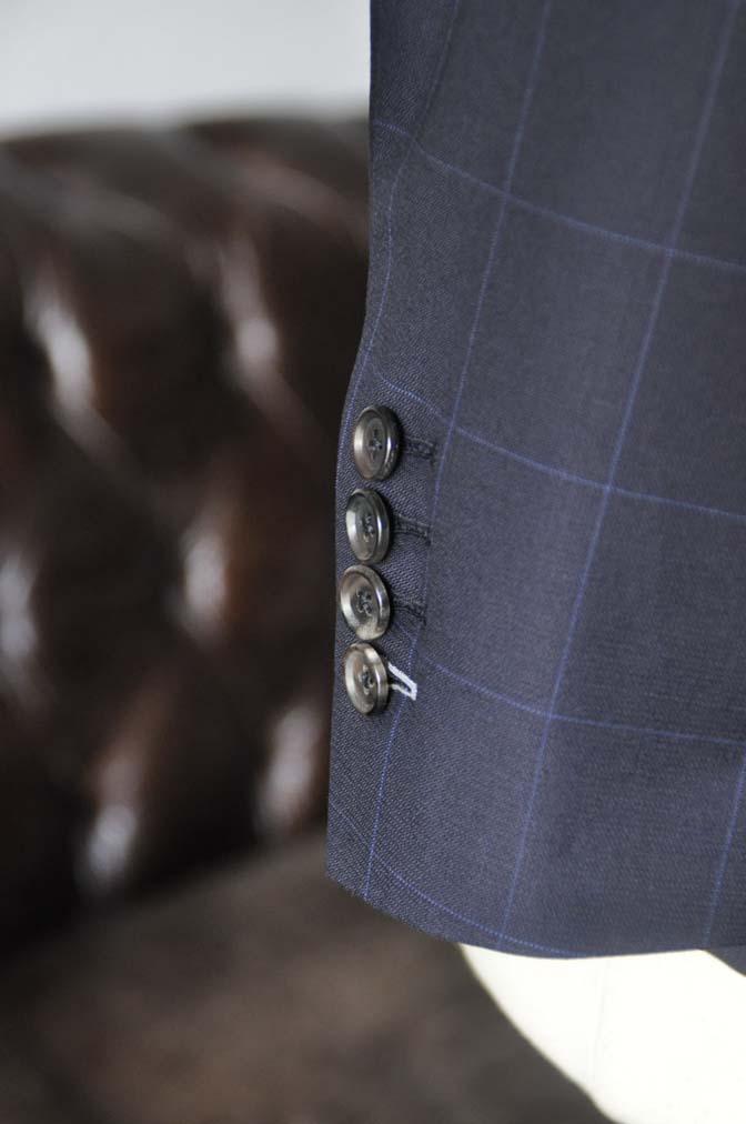 DSC17451 お客様のウエディング衣装の紹介- ネイビーウィンドペンスーツ、グレーベスト-