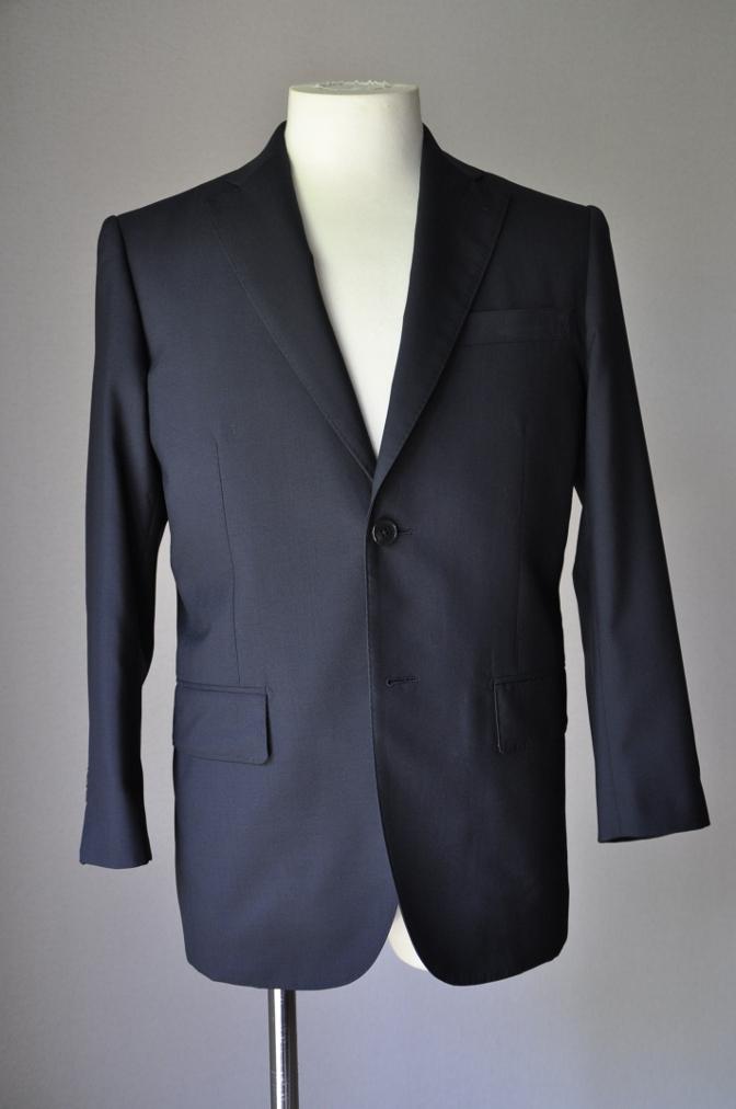 DSC17511 お客様のスーツの紹介-無地ネイビースーツ- 名古屋の完全予約制オーダースーツ専門店DEFFERT