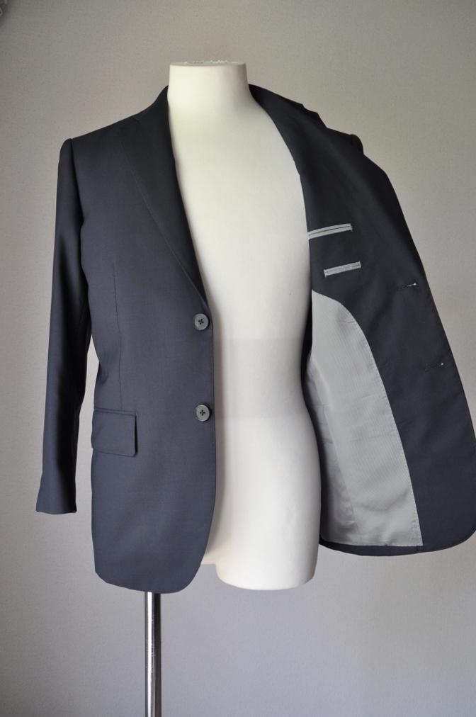 DSC17521 お客様のスーツの紹介-無地ネイビースーツ- 名古屋の完全予約制オーダースーツ専門店DEFFERT