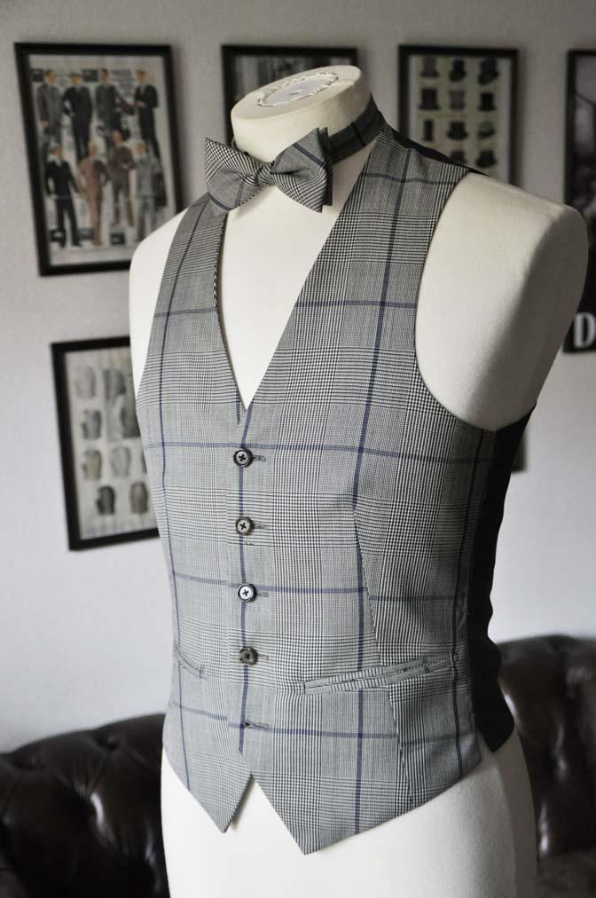 DSC17552 お客様のウエディング衣装の紹介- ネイビーウィンドペンスーツ、グレーベスト-