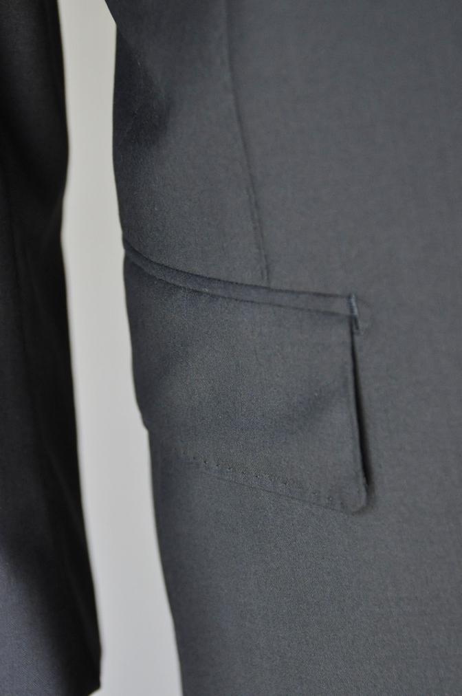 DSC1759 お客様のスーツの紹介-無地ネイビースーツ-