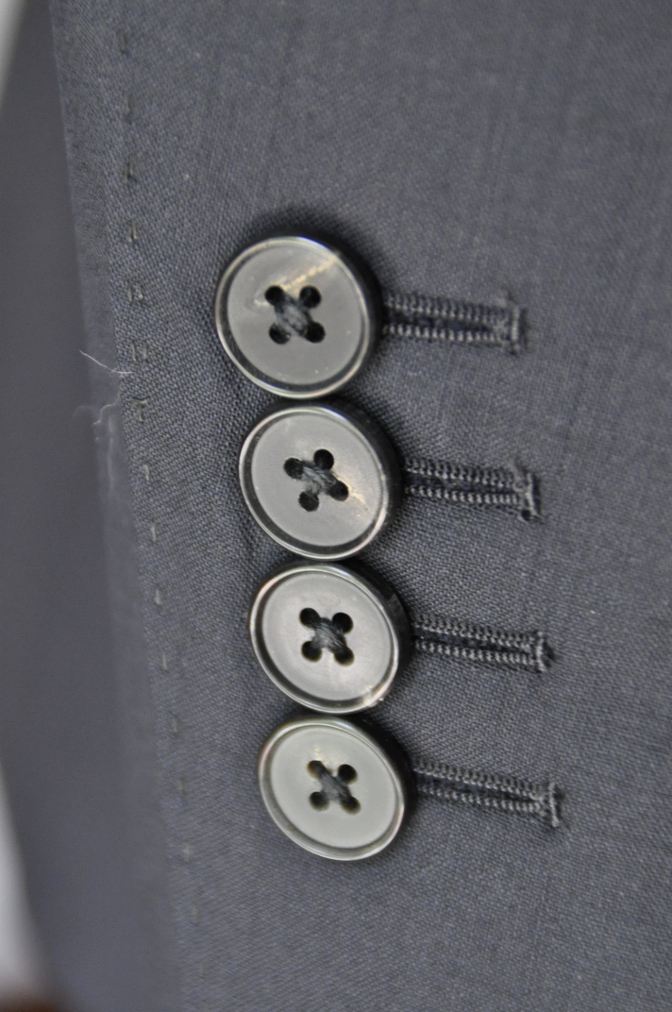 DSC1760 お客様のスーツの紹介-無地ネイビースーツ- 名古屋の完全予約制オーダースーツ専門店DEFFERT