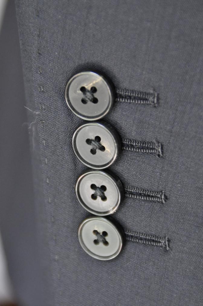 DSC1760 お客様のスーツの紹介-無地ネイビースーツ-