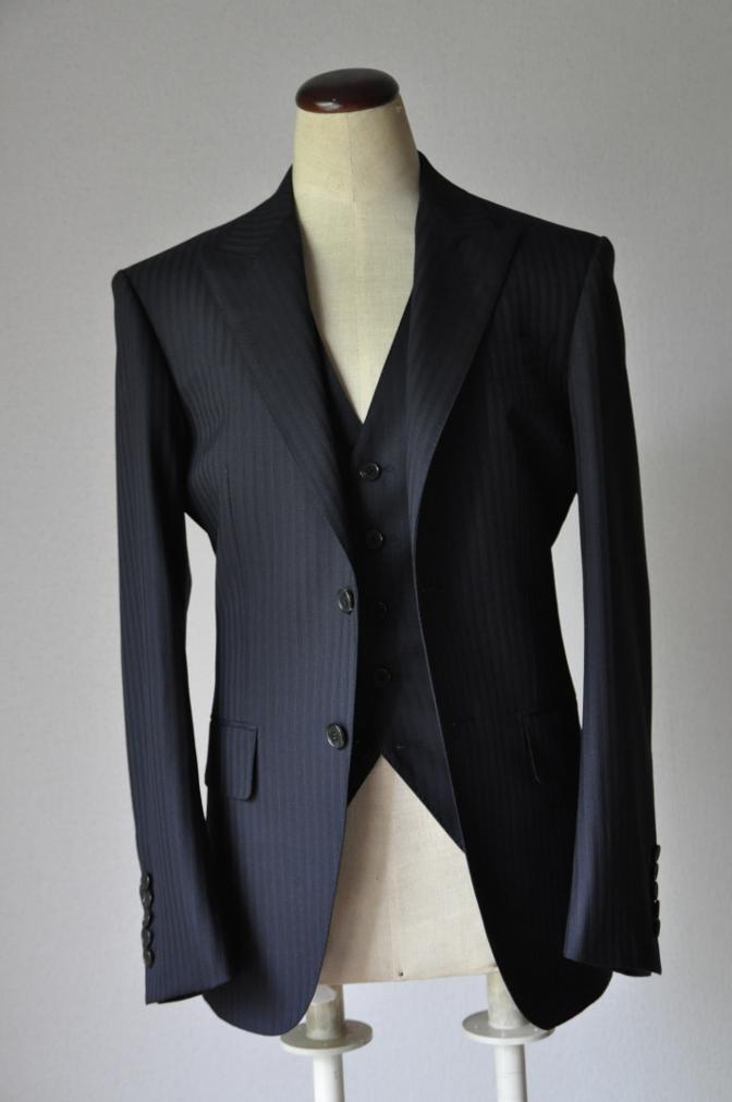 DSC1826 お客様のスーツの紹介-ブラックストライプ- 名古屋の完全予約制オーダースーツ専門店DEFFERT