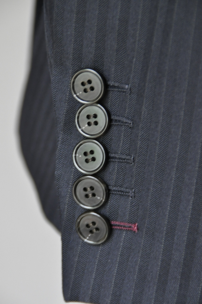 DSC1834 お客様のスーツの紹介-ブラックストライプ- 名古屋の完全予約制オーダースーツ専門店DEFFERT
