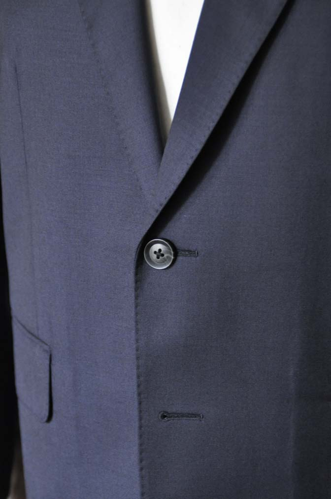 DSC18411 お客様のスーツの紹介-Biellesi 無地ネイビースーツ-