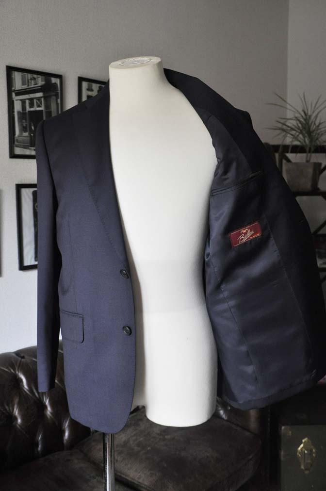 DSC18441 お客様のスーツの紹介-Biellesi 無地ネイビースーツ-