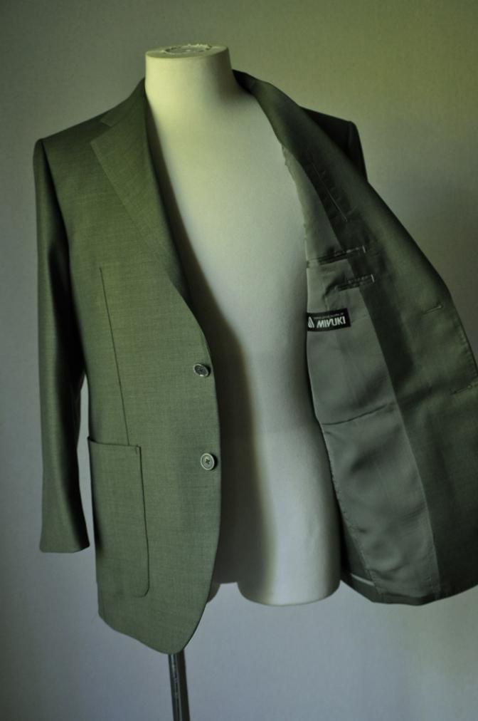 DSC1867 お客様のジャケットの紹介- 御幸毛織 WINTER EDITION グリーン-
